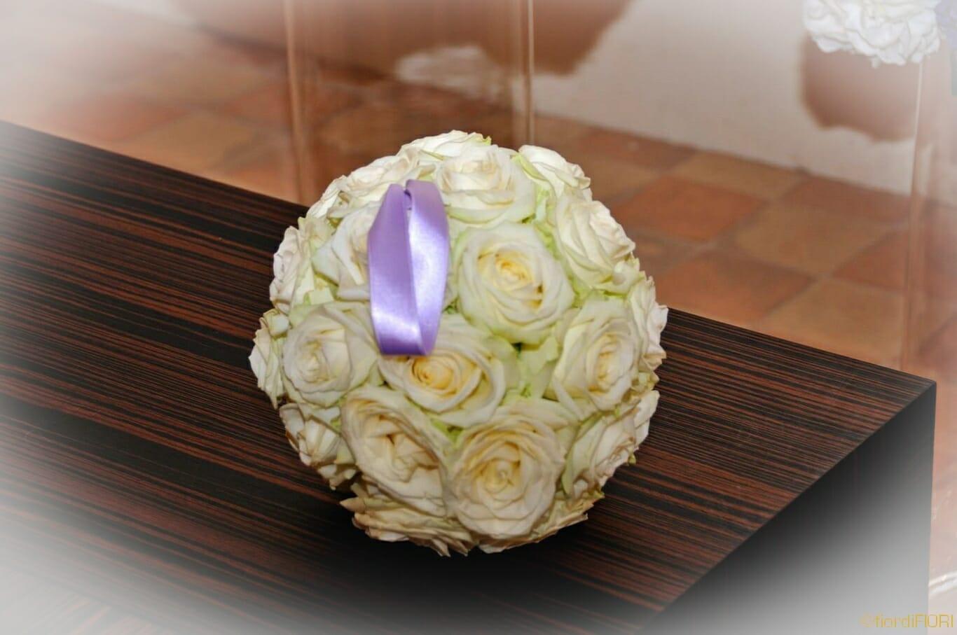 Bouquet tondo con rose