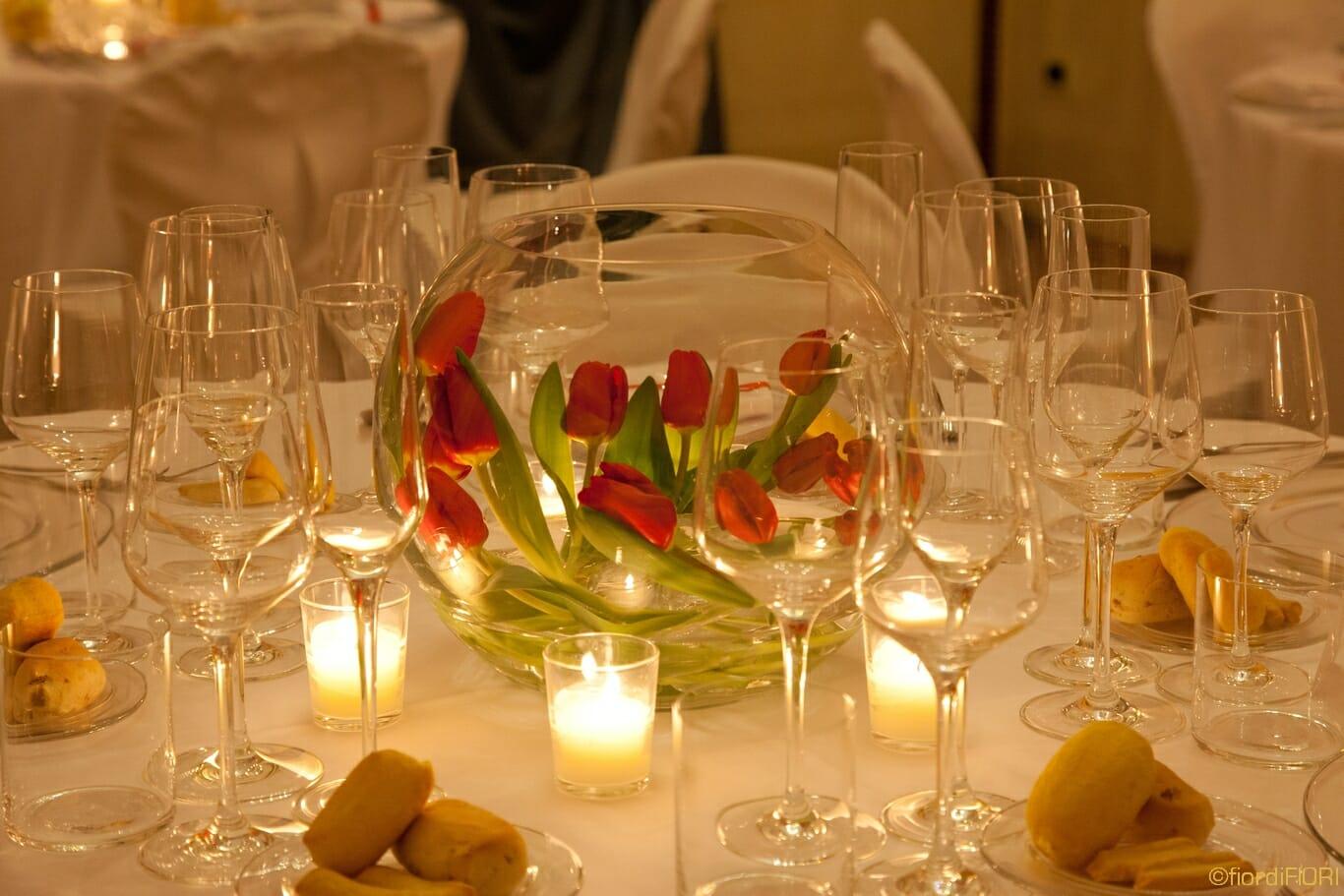 Centrotavola con rose e candele