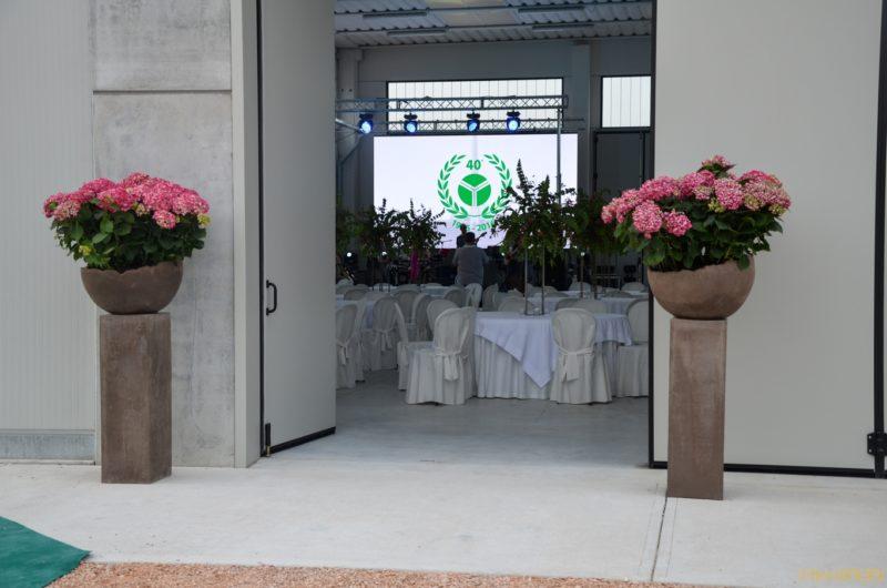 Organizzazione completa evento tecnofer: catering, intrattenimento, addobbo floreale, sicurezza.