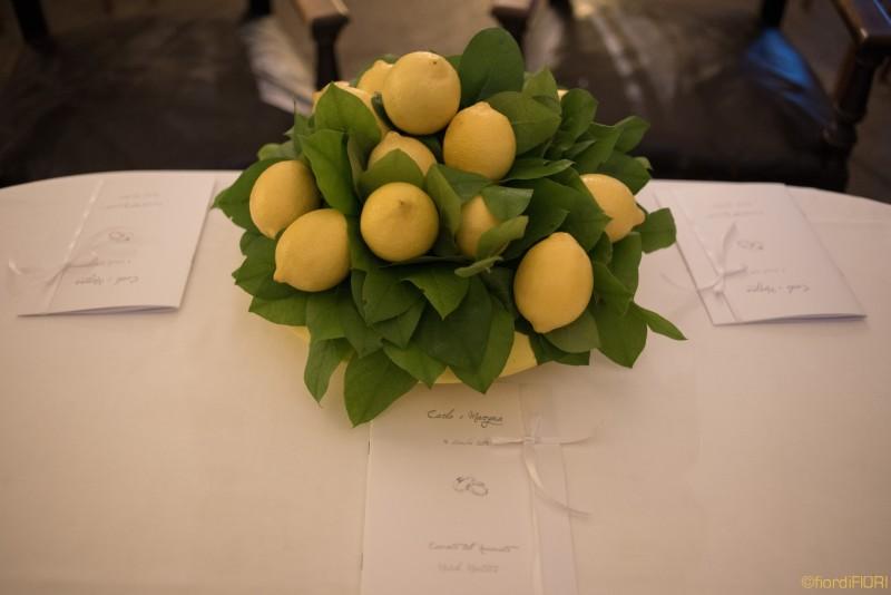 Limoni per l'allestimento nella zona della cerimonia civile