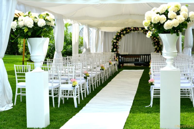 Addobbo floreale per cerimonia civile e ricevimento di nozze.