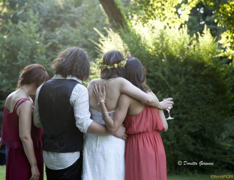 Addobbo floreale completo per matrimonio nel giardino segreto