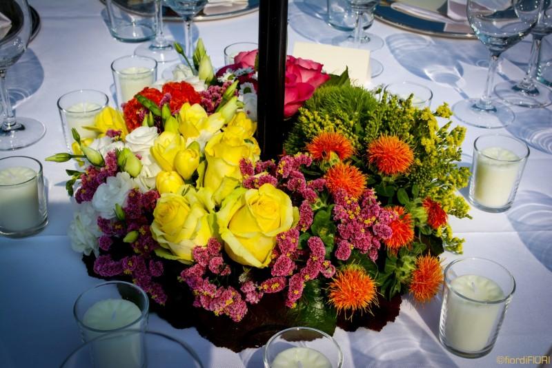 Composizione floreale per ricevimento di nozze