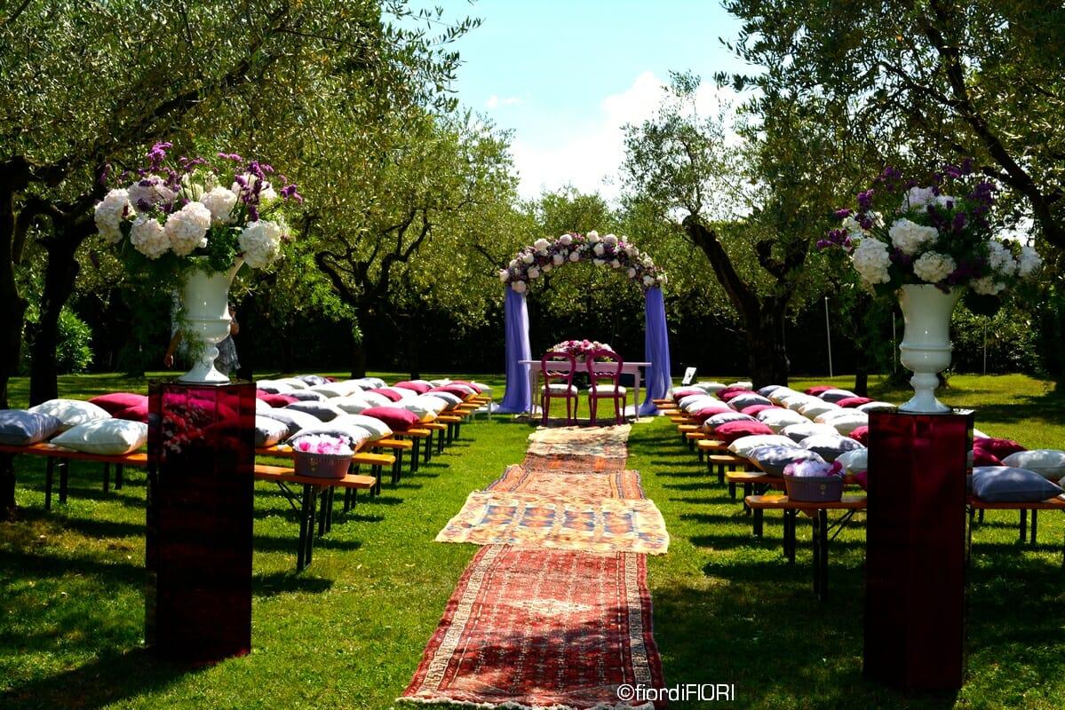 Addobbi floreali per il matrimonio a tema Alice nel paese delle meraviglie
